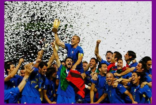Футболисты победители с кубком