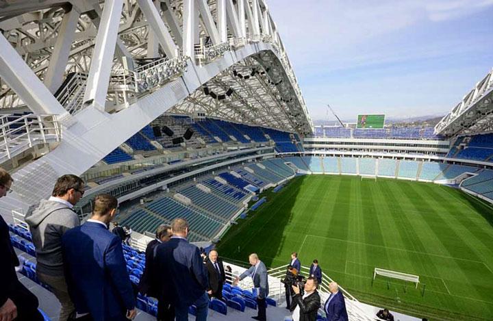 Подготовка стадиона Фишт