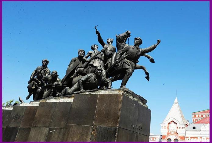 Самара памятник Чапаеву