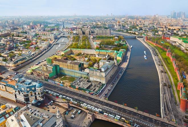 Москва: Волга и Кремль