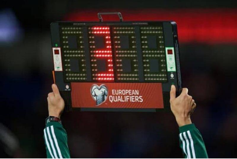 Футбольный матч составляет 90 минут