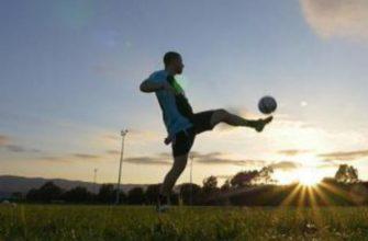 Аппарат воздействует на тело, «удаляя» лишние сантиметрыМяч нужно подобрать подходящий вам по возрасту, для этого есть размерная сетка футбольных мячей.