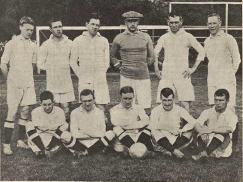 Справка! Самыми популярным командами, которые были созданы во времена Советского Союза, были «Спартак» и «Динамо».