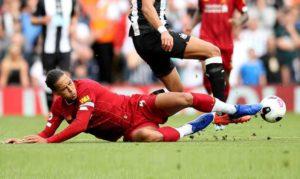 Как делать подкат в футболе?