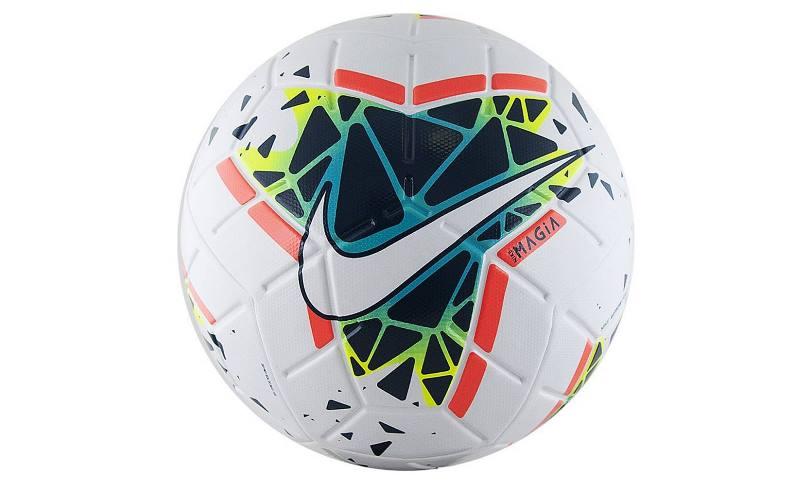 Мячи второго размера имеют длину окружности до 56 сантиметров