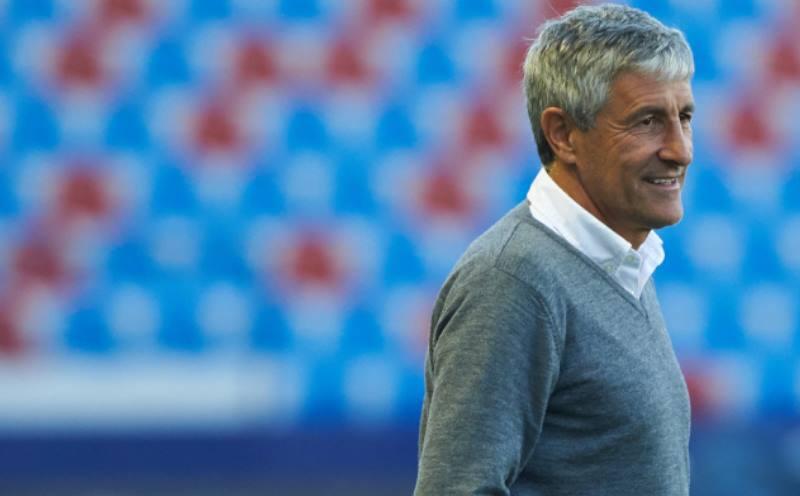 тренер на поле
